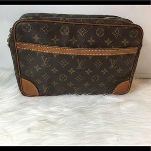 100% Authentic Louis Vuitton Trocadero 28 No Strap